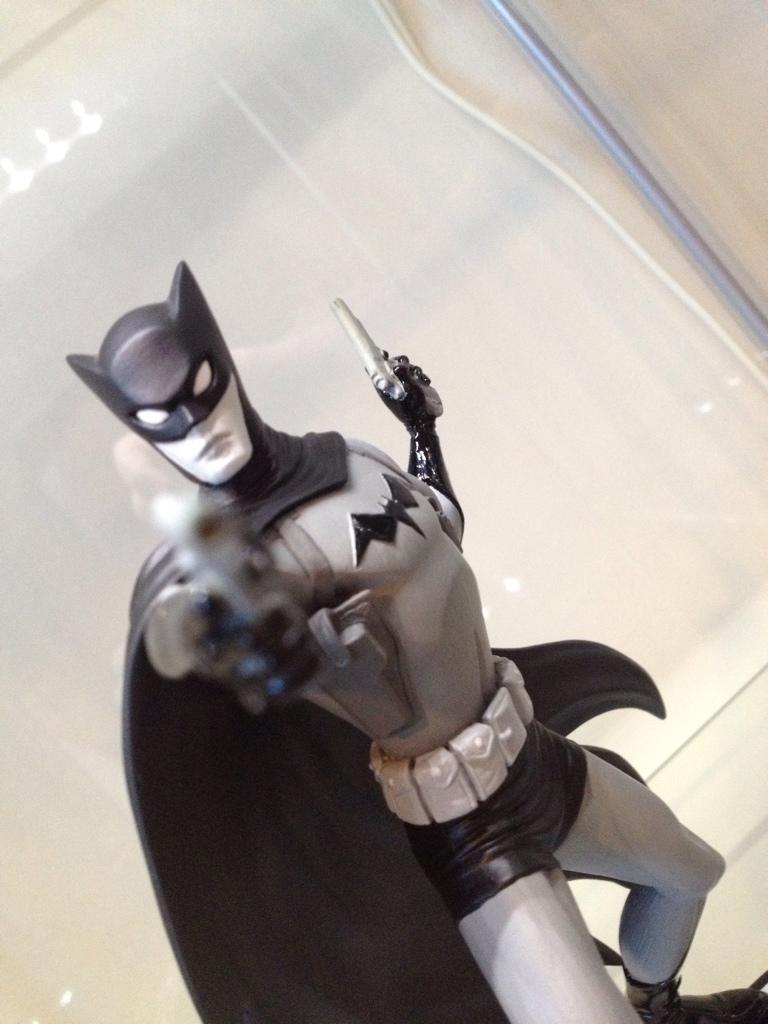 BATMAN BLACK & WHITE #32 : CLIFF CHIANG Batmanchang1