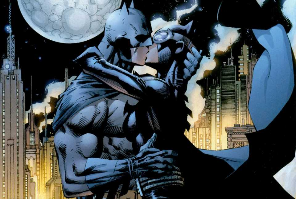 BATMAN & CATWOMAN - THE KISS STATUE 1-DC_Collectibles___Batman___Catwoman_The_Kiss_Statue