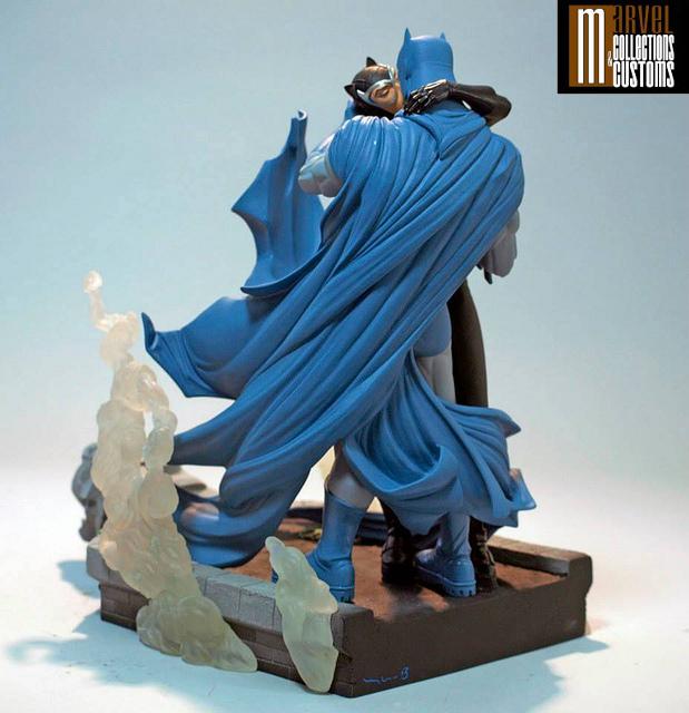BATMAN & CATWOMAN - THE KISS STATUE 5-DC_Collectibles___Batman___Catwoman_The_Kiss_Statue