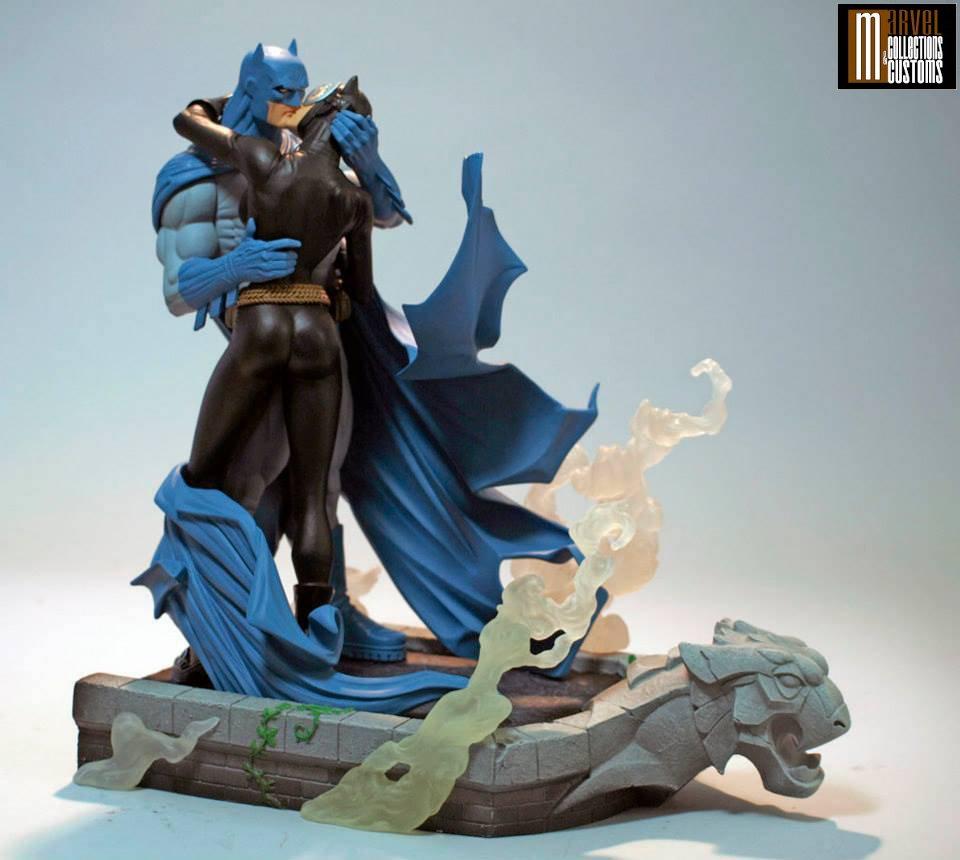 BATMAN & CATWOMAN - THE KISS STATUE Batman_Cat_10