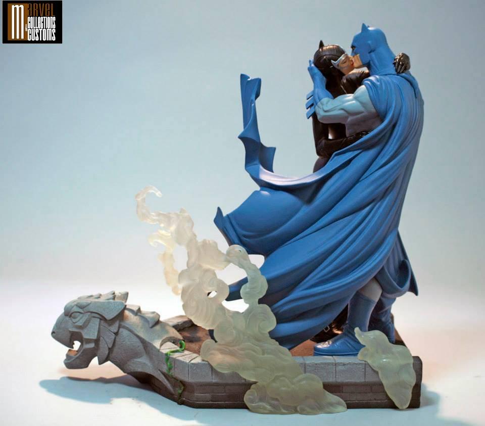 BATMAN & CATWOMAN - THE KISS STATUE Batman_Cat_13