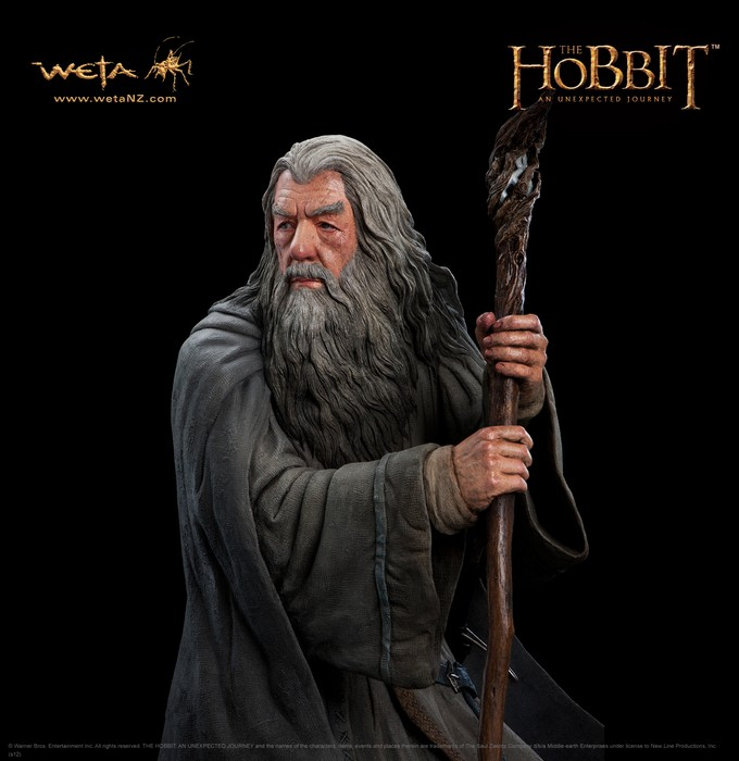 THE HOBBIT :  AN UNEXPECTED JOURNEY : GANDALF THE GREY LIFE-SIZE FIGURE Gandalf_life_size2__Copier_