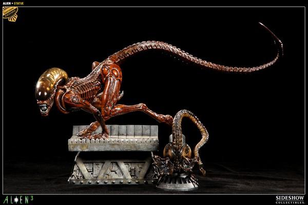 ALIEN 3: ALIEN DOG Statue Alien_dog_exclusive_press01__Copier_