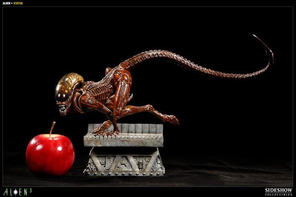 ALIEN 3: ALIEN DOG Statue Alien_dog_press02__Copier_
