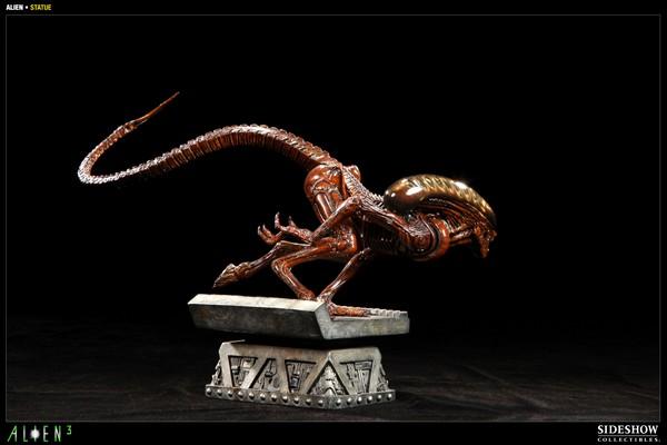 ALIEN 3: ALIEN DOG Statue Alien_dog_press04__Copier_