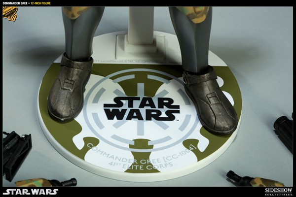 STAR WARS: COMMANDER GREE  EXCLUSIVE sixth scale figure Commander_gree_exclusive_press03__Copier_