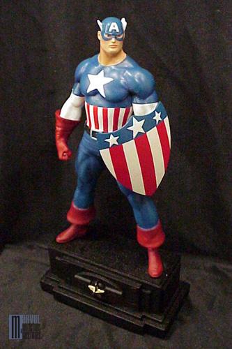 """CAPTAIN AMERICA """"retro exclu"""" Captain_America_exclue_photo_officielle_forummc"""