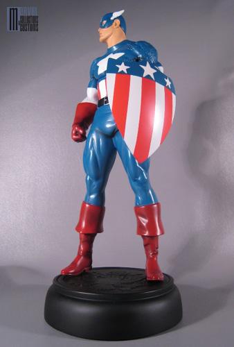 "CAPTAIN AMERICA ""retro"" (nouvelle version) Captain_America_retro_photo_officielle_copie"