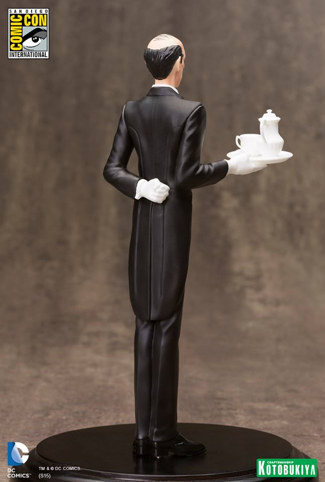 NEW 52 : ALFRED PENNYWORTH SDCC Limited Edition Alfred_Pennyworth_SDCC_Limited_Edition_ARTFX__4