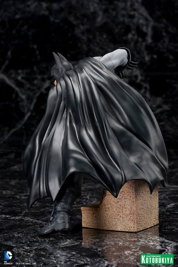 ARKHAM CITY : BATMAN Batman-Arkham-City-Kotobukiya-ARTFX_-DC-Comics-04