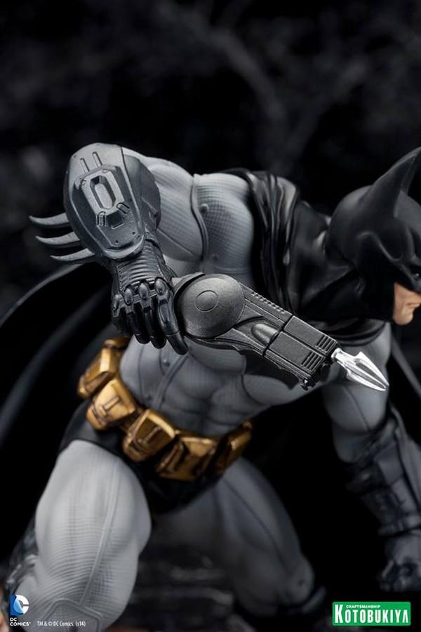 ARKHAM CITY : BATMAN Batman-Arkham-City-Kotobukiya-ARTFX_-DC-Comics-05