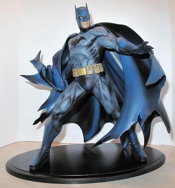DC BATMAN DELUXE VINYL - JIM LEE HUSH VERSION Batman_Lee_1