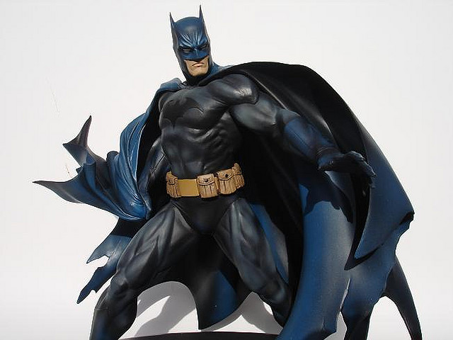 DC BATMAN DELUXE VINYL - JIM LEE HUSH VERSION Batman_Lee_2