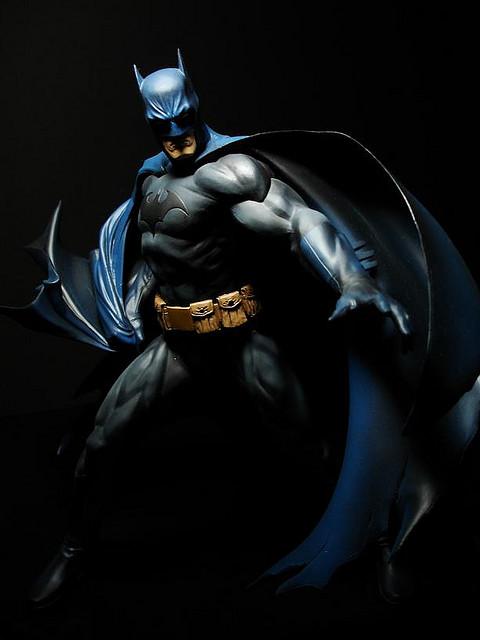 DC BATMAN DELUXE VINYL - JIM LEE HUSH VERSION Batman_Lee_3