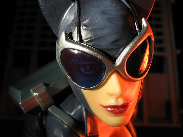 DC CATWOMAN DELUXE VINYL - JIM LEE HUSH VERSION Catwoman_Lee_4