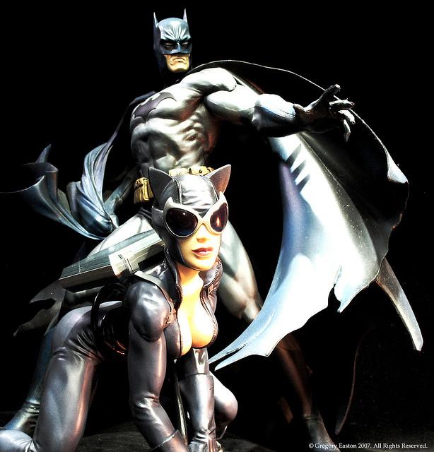 DC BATMAN DELUXE VINYL - JIM LEE HUSH VERSION Catwoman_et_Batman_2