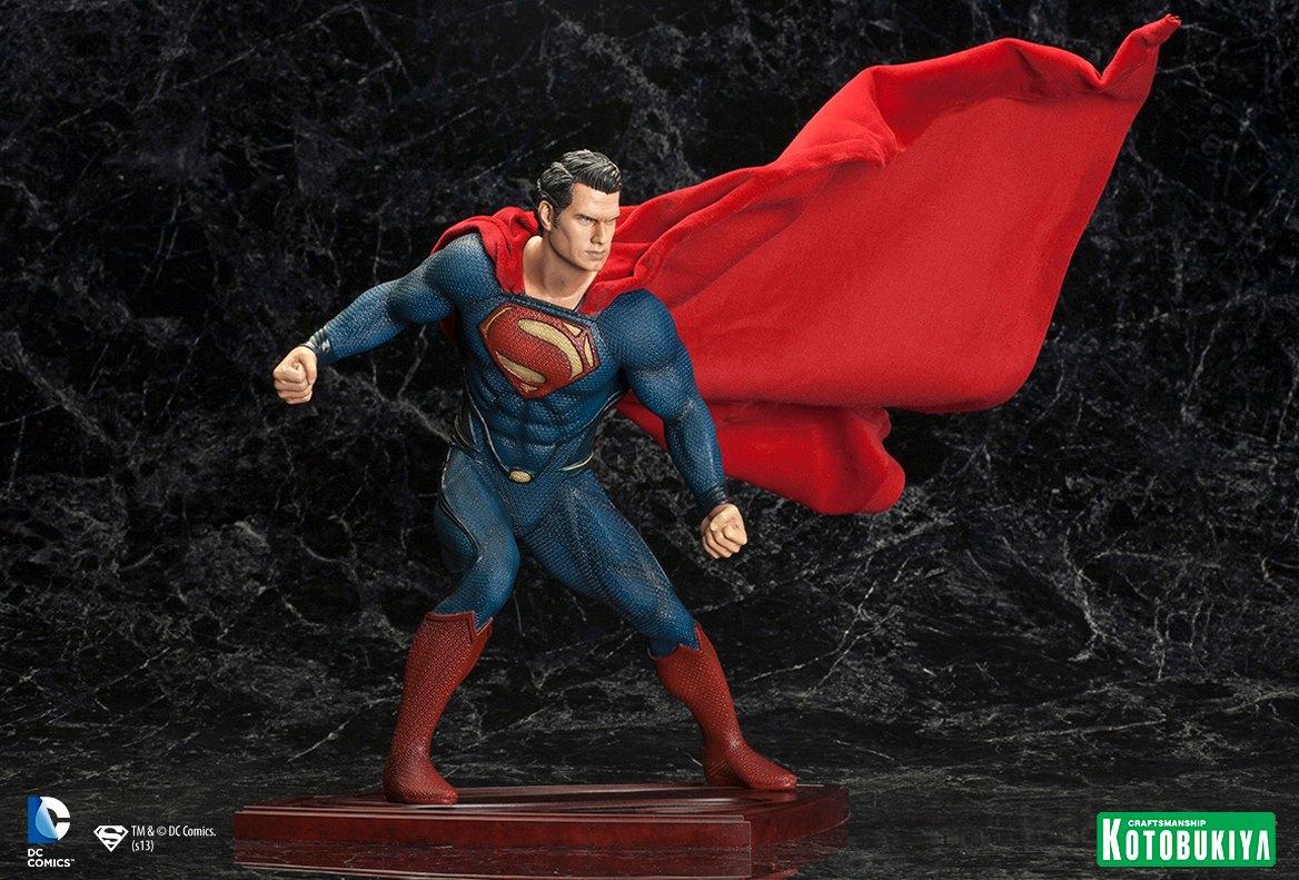 MAN OF STEEL : Superman (ARTFX Statue) Man_of_Steel_Superman_ARTFX_Statue_3