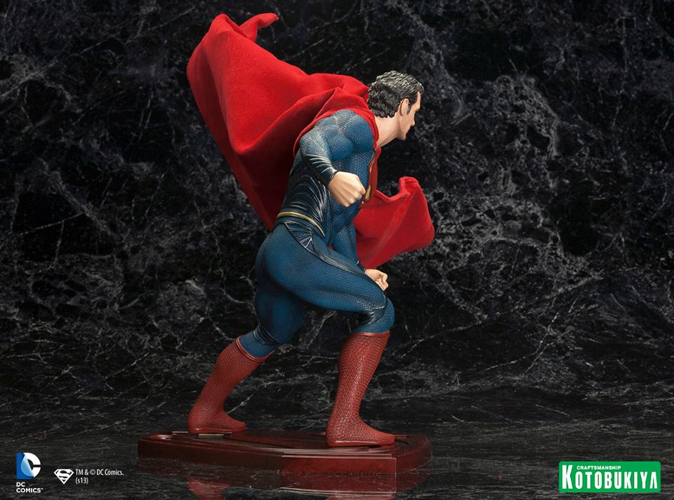 MAN OF STEEL : Superman (ARTFX Statue) Man_of_Steel_Superman_ARTFX_Statue_6