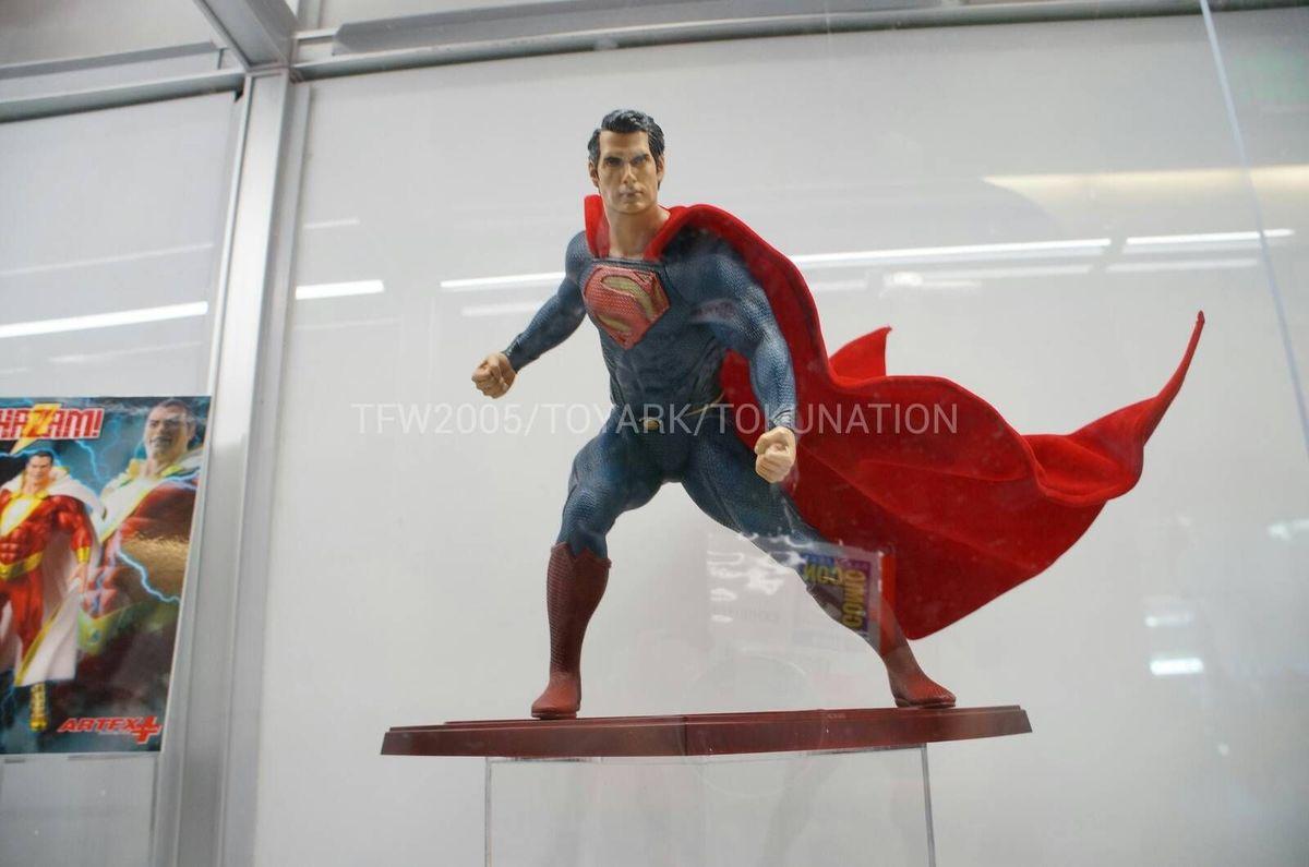 MAN OF STEEL : Superman (ARTFX Statue) SDCC-2013-Kotobukiya-038