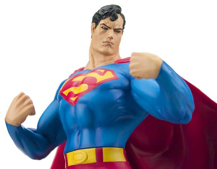 SUPERMAN  VINYL STATUE Superman2
