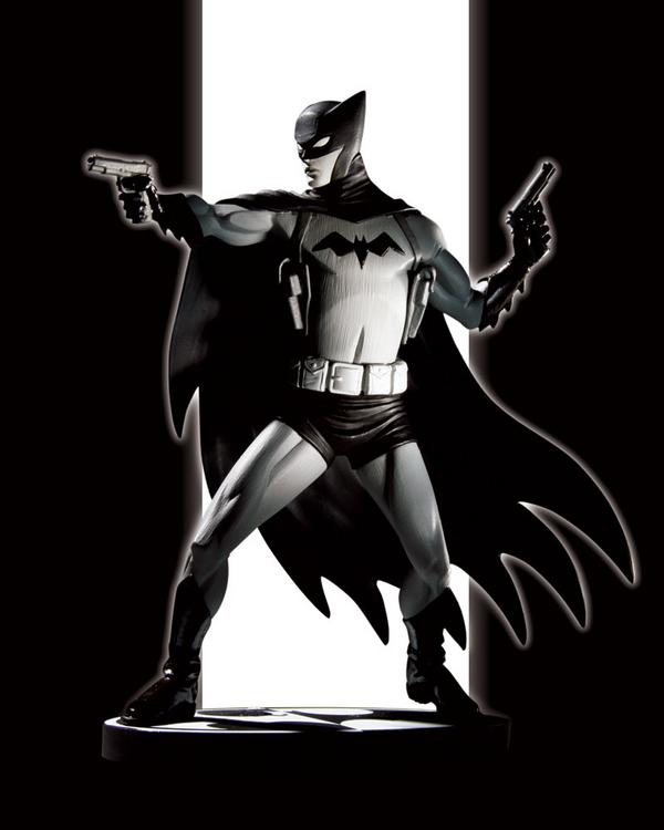 BATMAN BLACK & WHITE #32 : CLIFF CHIANG BATMAN_BLACK___WHITE_STATUE_BATMAN_BY_CLIFF_CHIANG