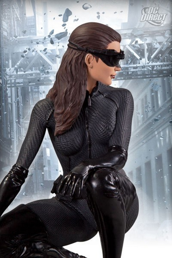 CATWOMAN THE DARK KNIGHT RISE STATUE DC_Direct_Dark_Knight_Rises_Catwoman_Statue_Pic_2__Copier_