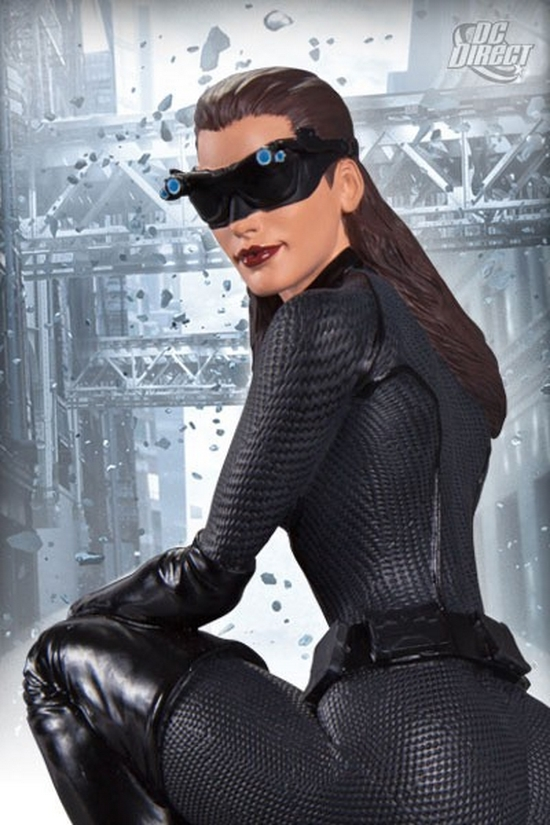 CATWOMAN THE DARK KNIGHT RISE STATUE DC_Direct_Dark_Knight_Rises_Catwoman_Statue_Pic_3__Copier_