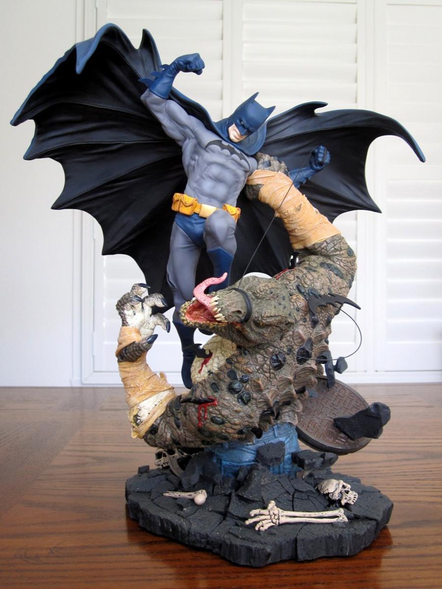 BATMAN VS KILLER CROC STATUE - DC CLASSIC CONFRONTATIONS - PICS! Batman_vs_killer_croc_statue_DC_direct