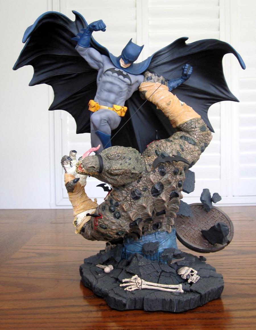 BATMAN VS KILLER CROC STATUE - DC CLASSIC CONFRONTATIONS - PICS! Batman_vs_killer_croc_statue_DC_direct_2