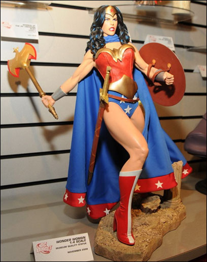 WONDER WOMAN 1:4 SCALE MUSEUM QUALITY STATUE Comingsoon-20l