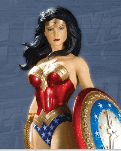 DC UNIVERSE ONLINE STATUE: WONDER WOMAN   Diana