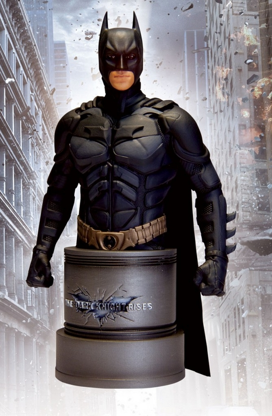 BATMAN THE DARK KNIGHT RISE BUST The-dark-knight-rises-batman-bust-dc-direct-__Copier_