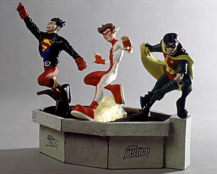 """Frank Miller's """"THE DARK KNIGHT STRIKES AGAIN"""" statue (1996) Young_justice_william_Paquet"""