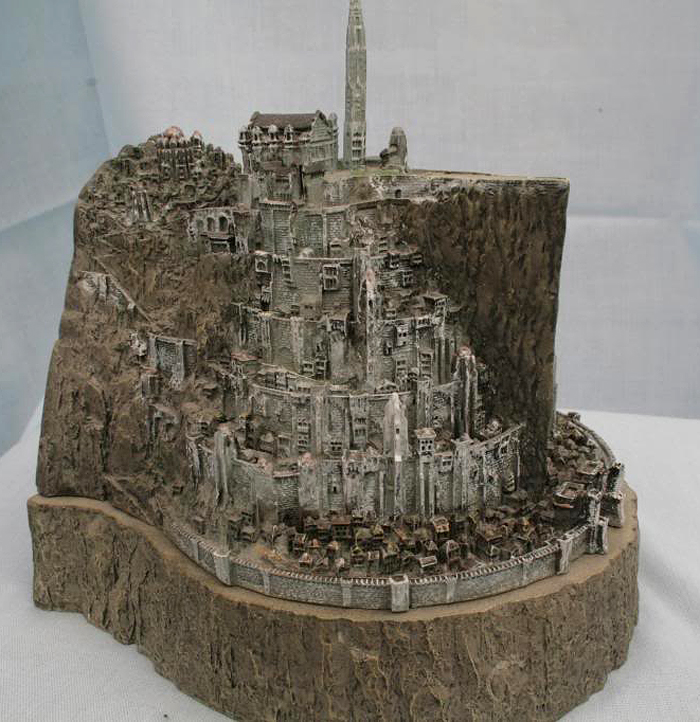 MINAS TIRITH ENVIRONMENT (DVD COLLECTOR BOX SET) MINAS_TIRITH_ENVIRONMENT_WETA.10
