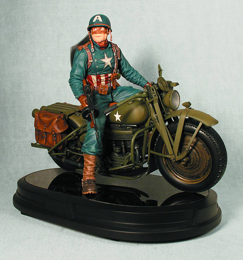 CAPTAIN AMERICA ULTIMATE WW II ON MOTORCYCLE STATUE GENTLE GIANT GENTLE_GIANT_CAP_AMERICA_MOTORCYCLE_STATUE_20.