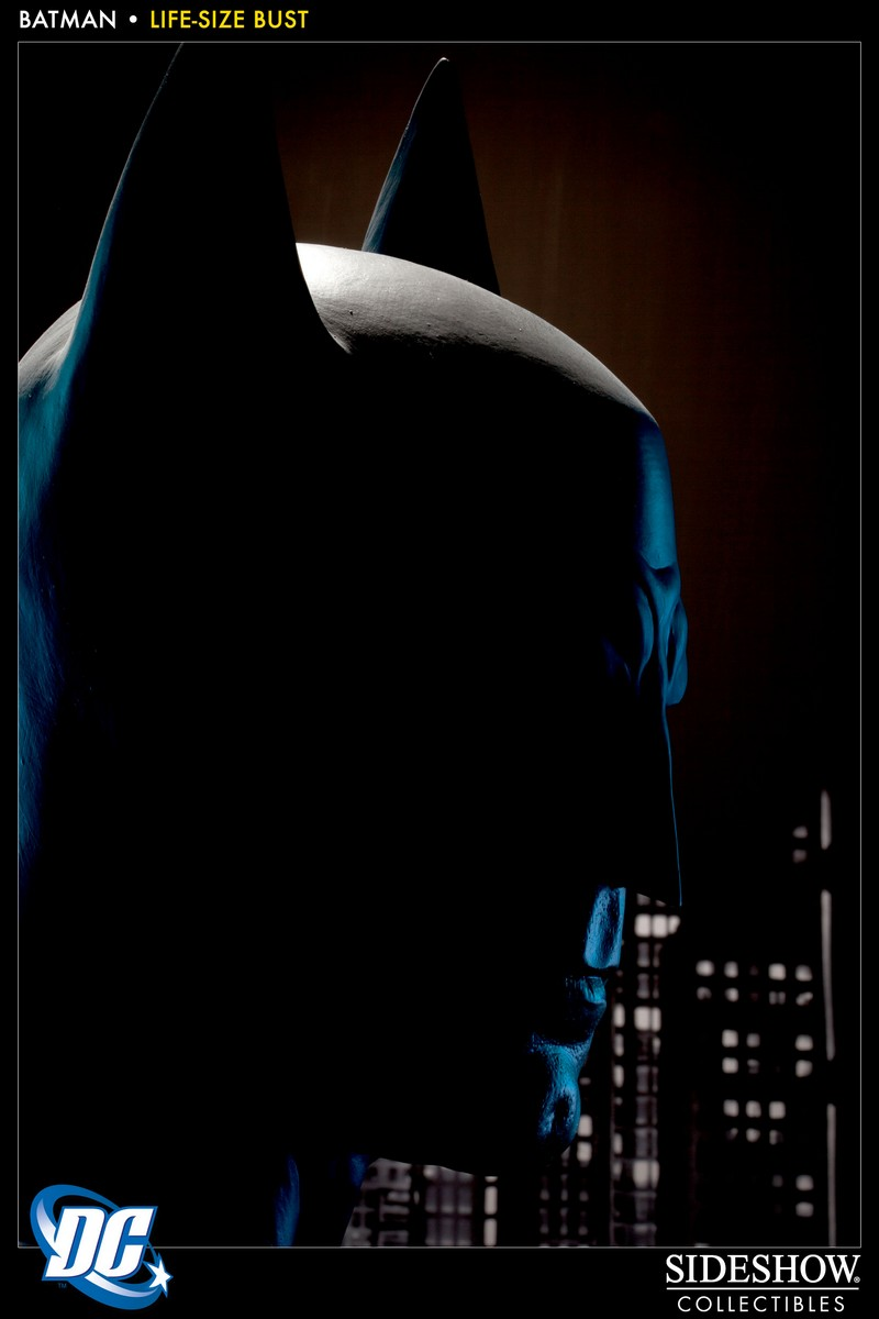 BATMAN LIFE SIZE BUST Batman_400112_press_06__Copier_