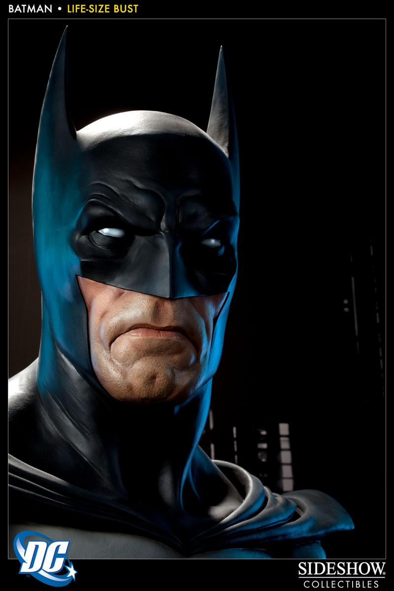 BATMAN LIFE SIZE BUST Batman_400112_press_09__Copier_