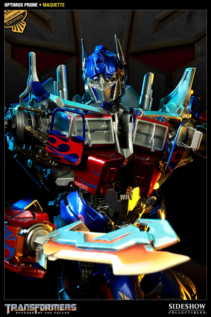 TRANSFORMERS Revenge of the fallen: OPTIMUS PRIME Maquette TRANSFORMERS_REVENGE_OF_THE_FALLEN_OPTIMUS_PRIME_MAQUETTE_4000321_press_02__Copier_