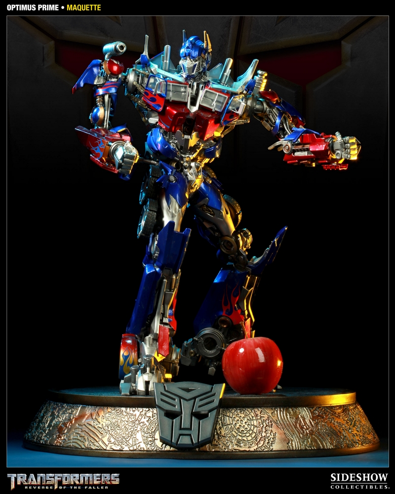 TRANSFORMERS Revenge of the fallen: OPTIMUS PRIME Maquette TRANSFORMERS_REVENGE_OF_THE_FALLEN_OPTIMUS_PRIME_MAQUETTE_400032_press_02__Copier_