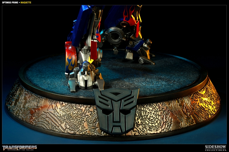 TRANSFORMERS Revenge of the fallen: OPTIMUS PRIME Maquette TRANSFORMERS_REVENGE_OF_THE_FALLEN_OPTIMUS_PRIME_MAQUETTE_400032_press_05__Copier_