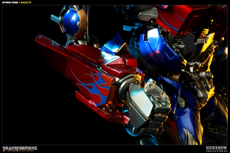TRANSFORMERS Revenge of the fallen: OPTIMUS PRIME Maquette TRANSFORMERS_REVENGE_OF_THE_FALLEN_OPTIMUS_PRIME_MAQUETTE_400032_press_06__Copier_