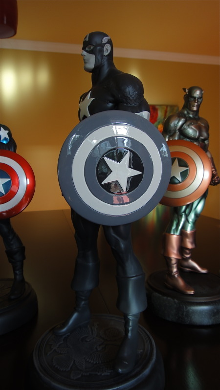 "CAPTAIN AMERICA ""Newsreel Black and White"" DSC02177"