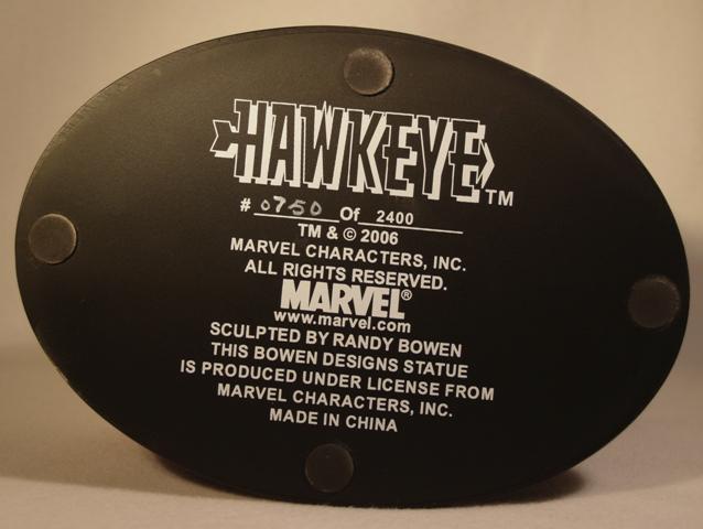 OEIL DE FAUCON (Hawkeye) Statue_bowen_hawkeye_24