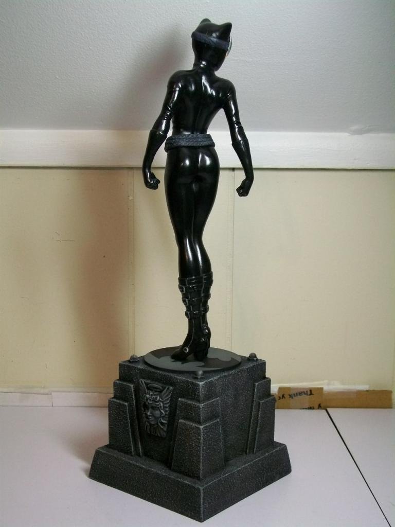 "CATWOMAN ""Jim Lee"" - Statue - Citizenalpha Catwoman_jim_lee_b_"