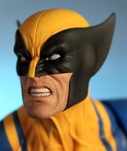 WOLVERINE YELLOW AND BLUE MINI BUST WOLVERINE_GG_7