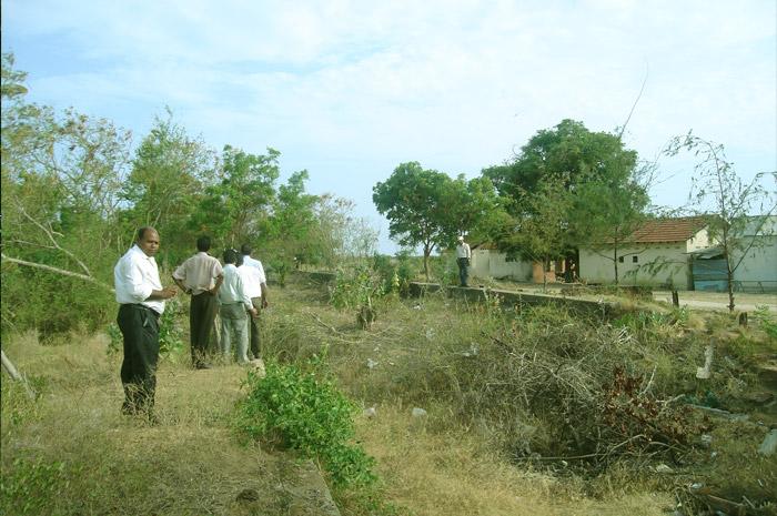 புகையிரத நிலையங்களின் புகைப்படத்தொகுப்பு (2010இல்)  Elephant-Pass-Railway-Sta