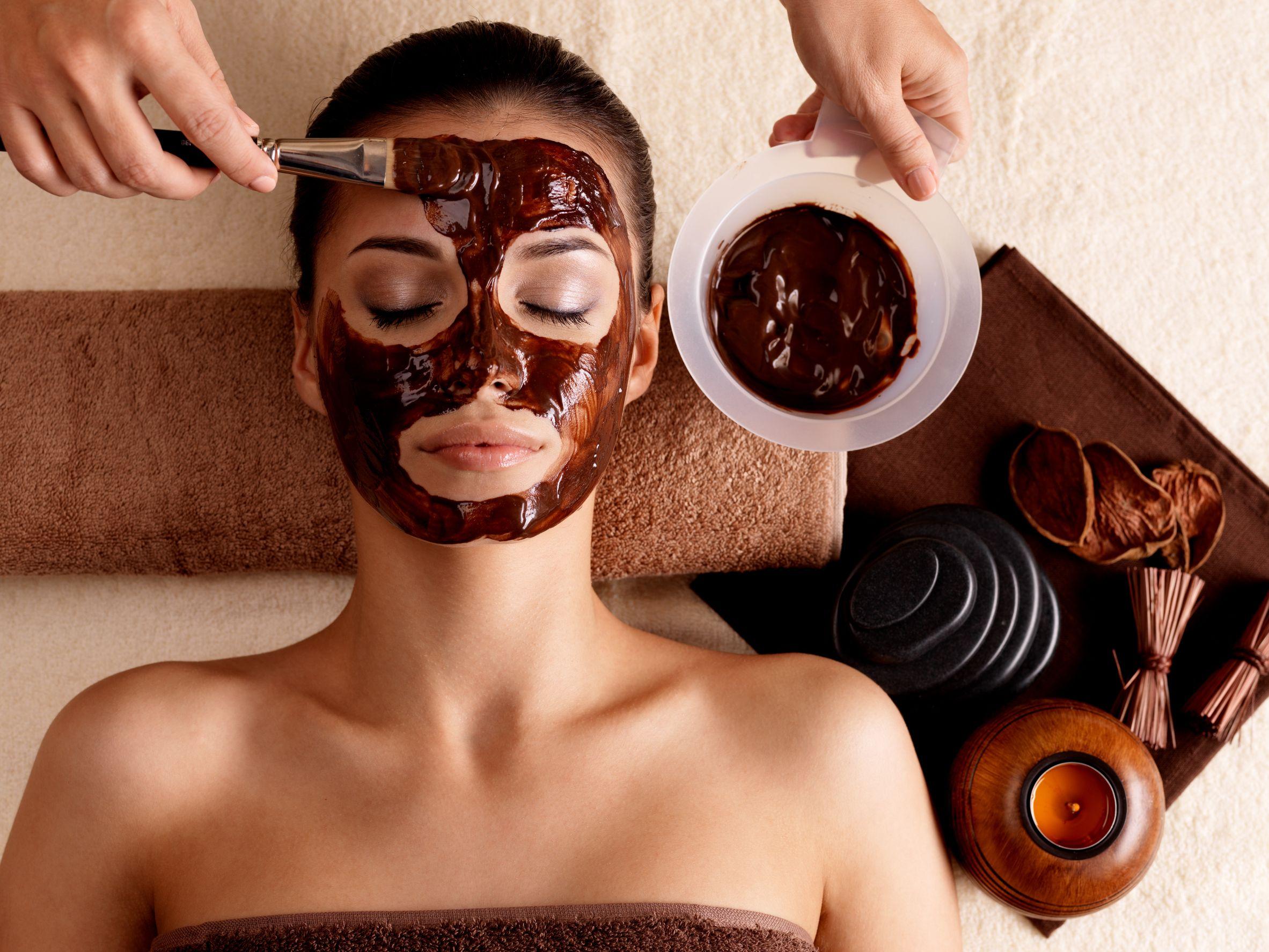 7 ПОЛЕЗНЫХ СВОЙСТВ ШОКОЛАДА Chocolate-Face-Masks-at-Home1