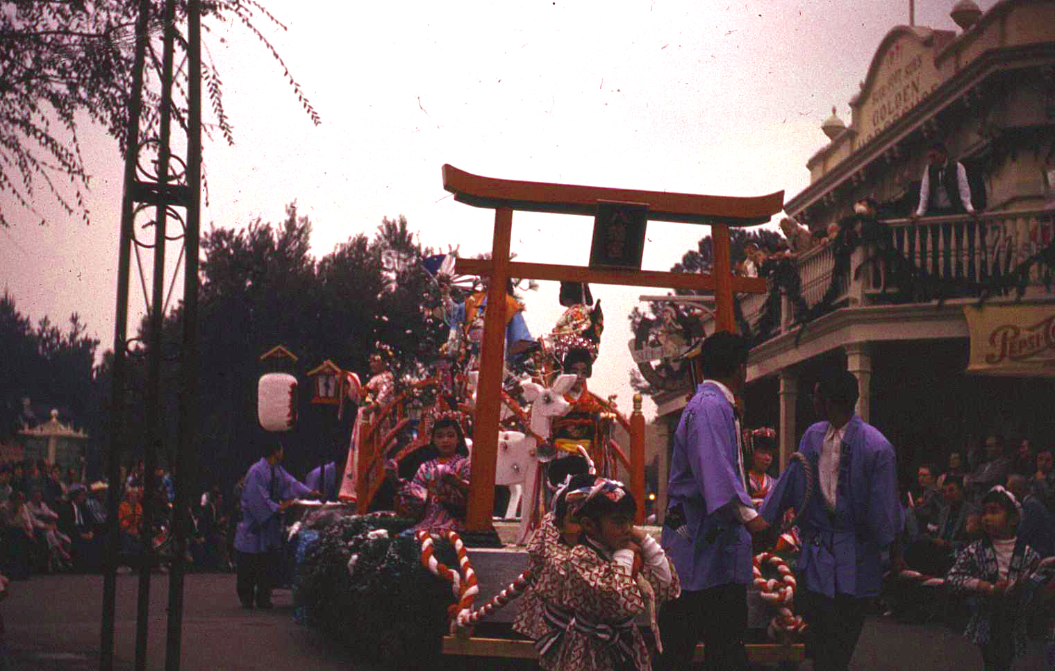 Anciennes Parades des Resorts Américains Christmas23