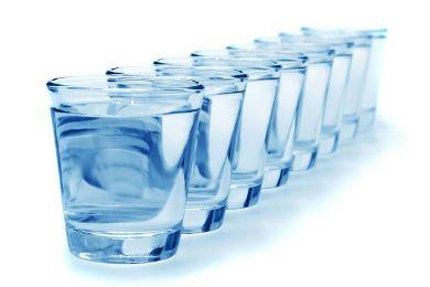 كيف تخسر وزنك الزائد عن طريق الماء؟.. اكتشف بنفسك 8-glasses-of-water