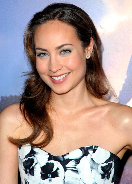 ¿Cuánto mide Courtney Ford? - Real height Courtney-Ford